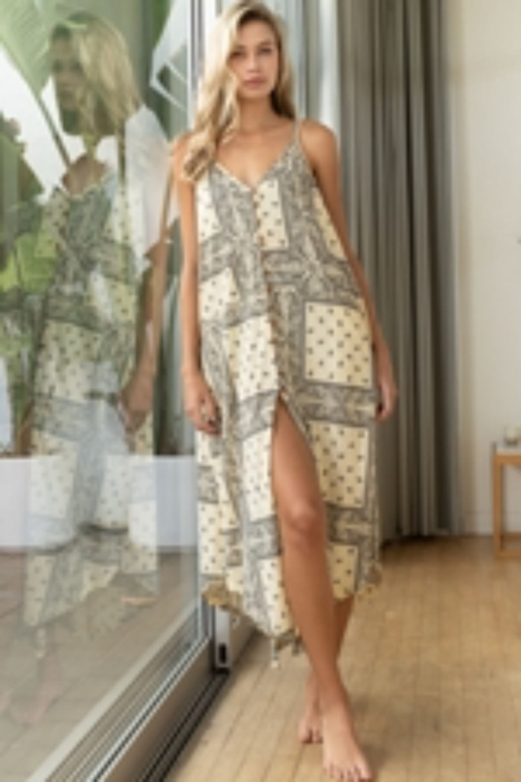 POL  The Perfect Paisley Midi Dress - Front Cropped Image