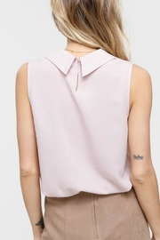 Listicle The Vanessa Shirt - Back cropped
