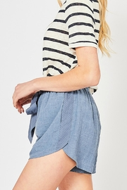 Entro The Versa Short - Side cropped