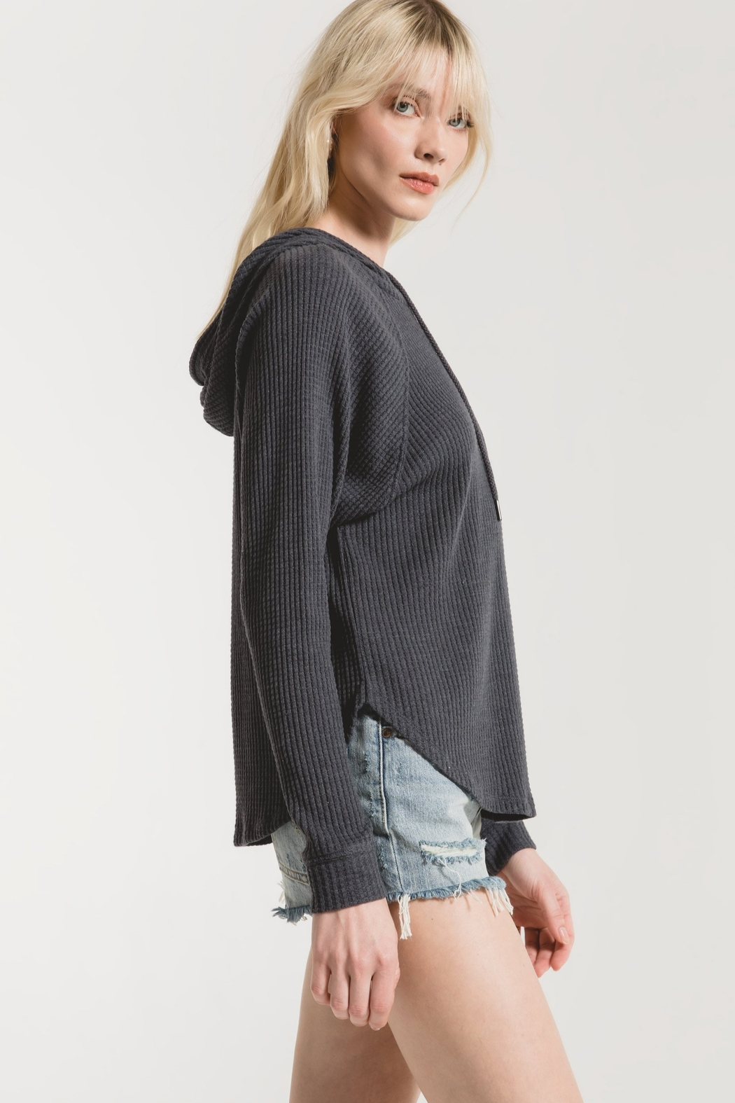 z supply The Waffle Thermal Dolman Hoodie - Side Cropped Image
