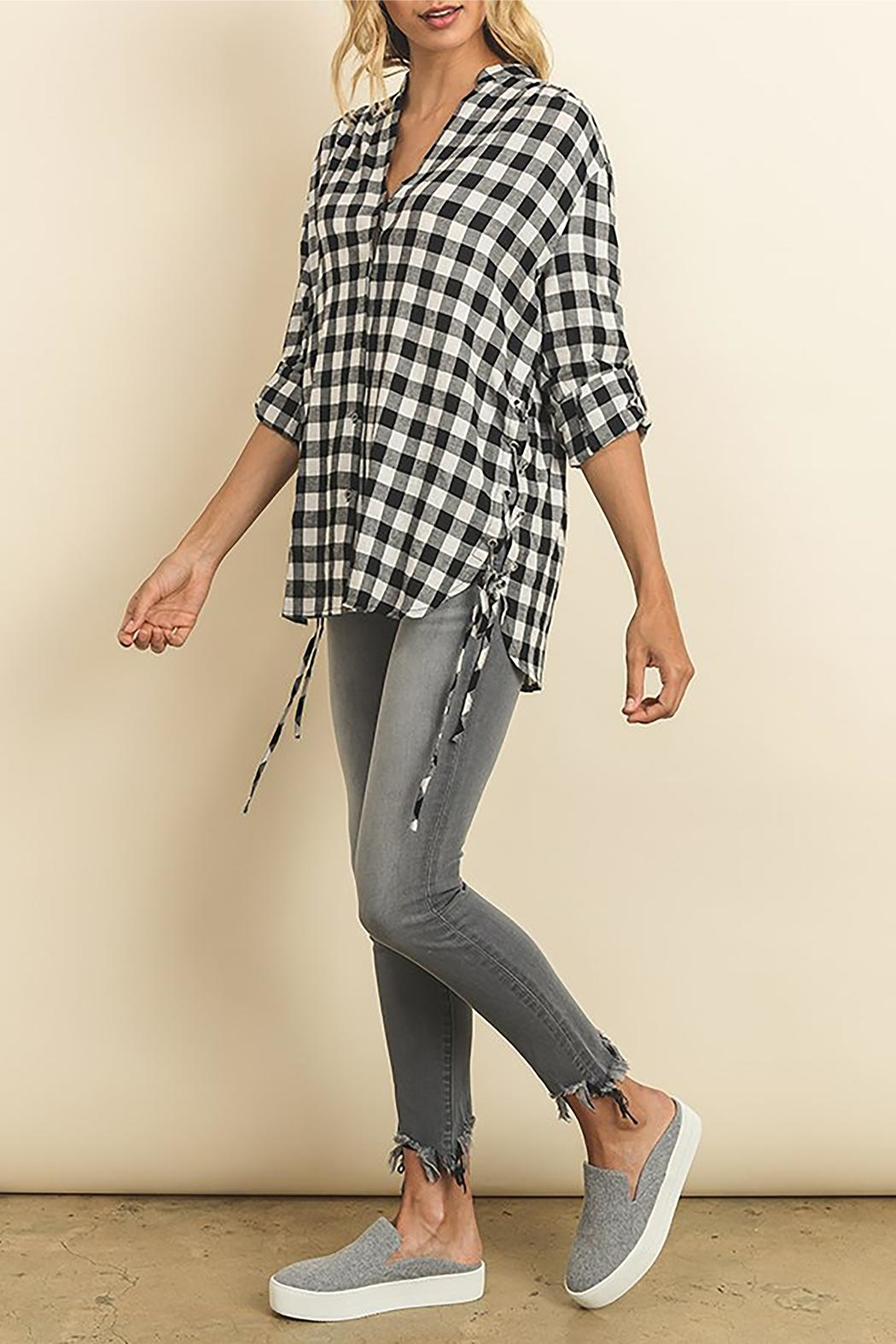 The Butik Gingham Button Down - Back Cropped Image