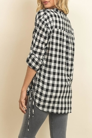The Butik Gingham Button Down - Side cropped