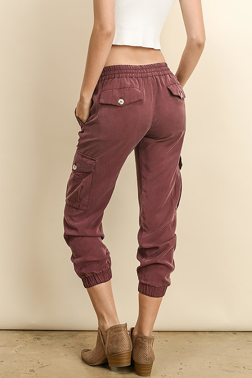 The Butik Tencel Joggers - Side Cropped Image