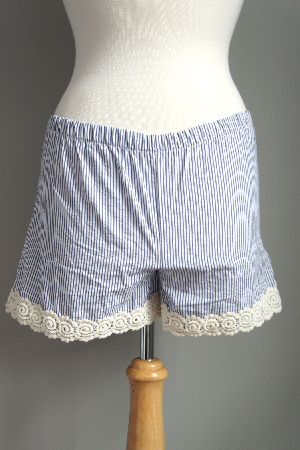 The Haley Boutique Searsucker Lace-Hemmed Shorts - Front Cropped Image