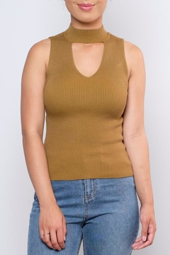 the Hanger Ribbed Keyhole Top - Product List Image