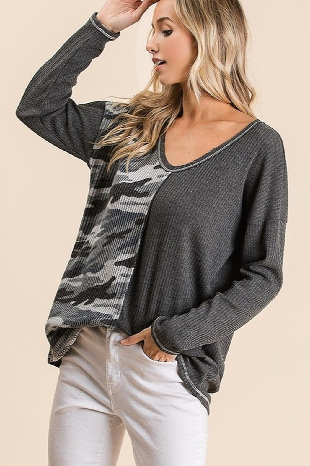 Bibi THERMAL WAFFLE DEEP V NECK TOP WITH CAMOUFLAGE - Side Cropped Image