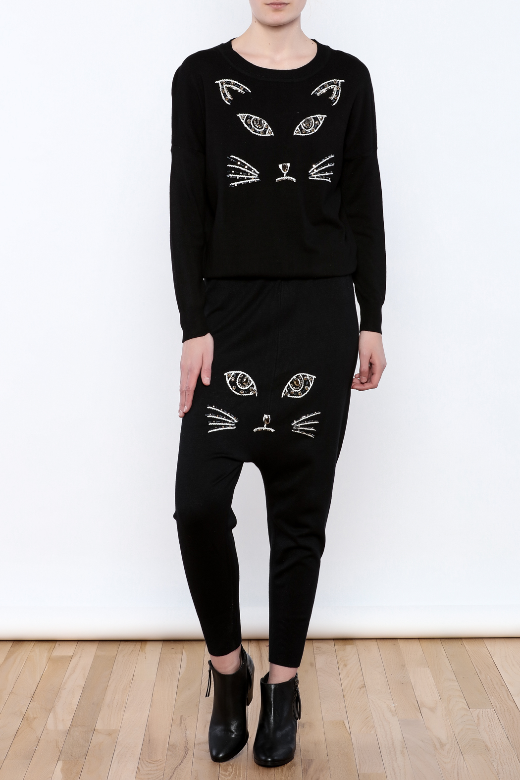 THINK CLOSET Meow Face Pants - Front Full Image
