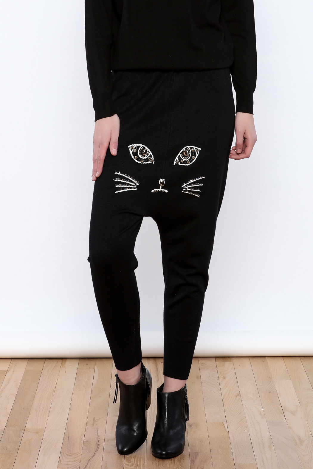 THINK CLOSET Meow Face Pants - Front Cropped Image