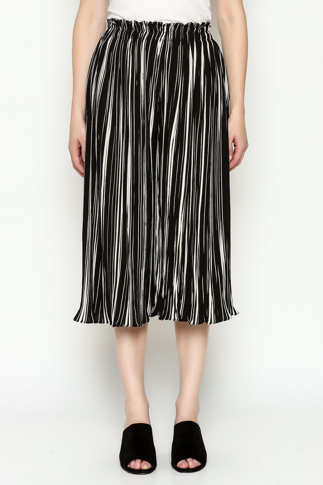 THINK CLOSET Stripe Gaucho Pants - Front Full Image