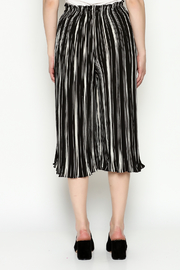 THINK CLOSET Stripe Gaucho Pants - Back cropped