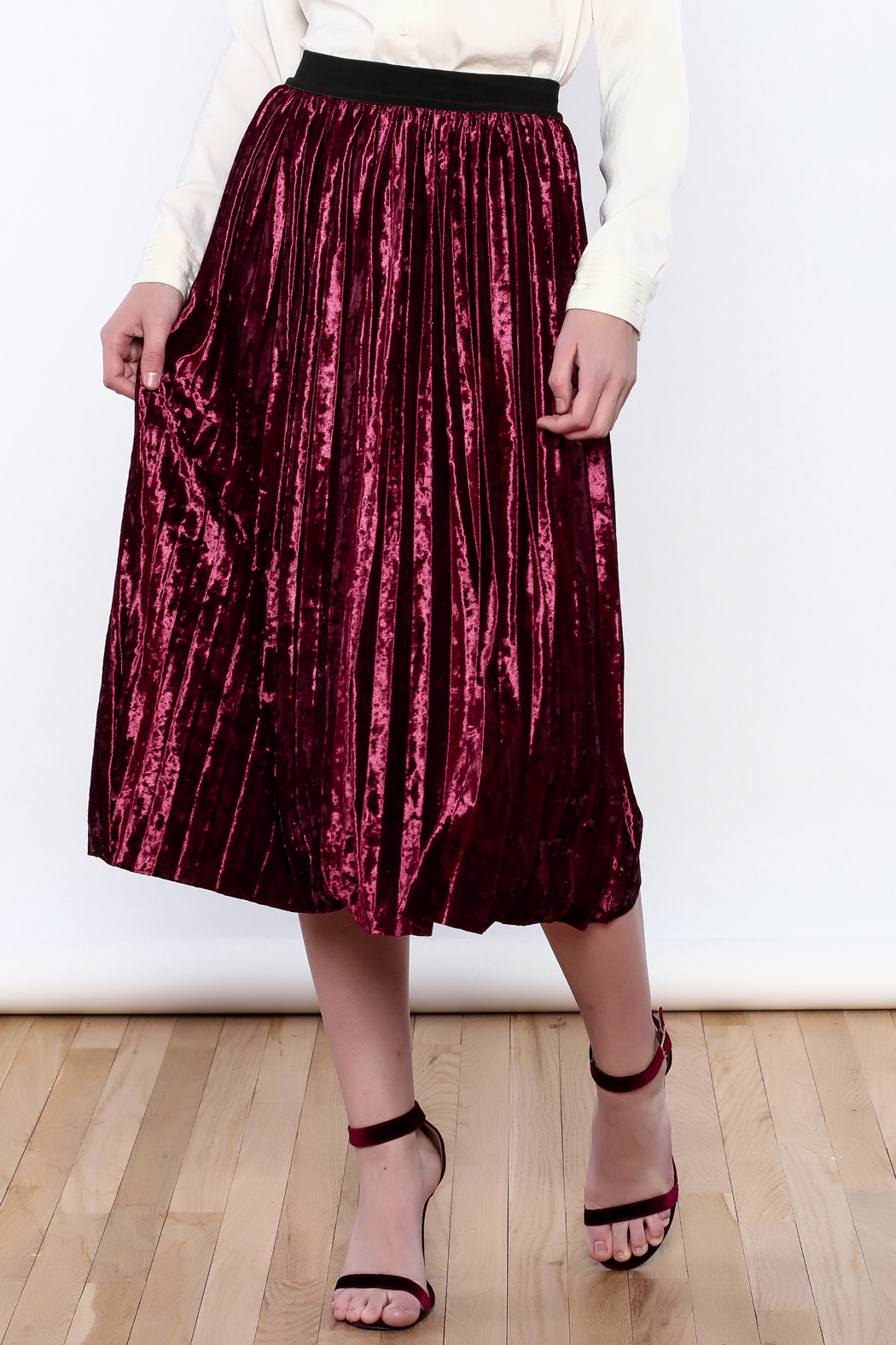 THINK CLOSET Very Velvet Skirt - Front Cropped Image