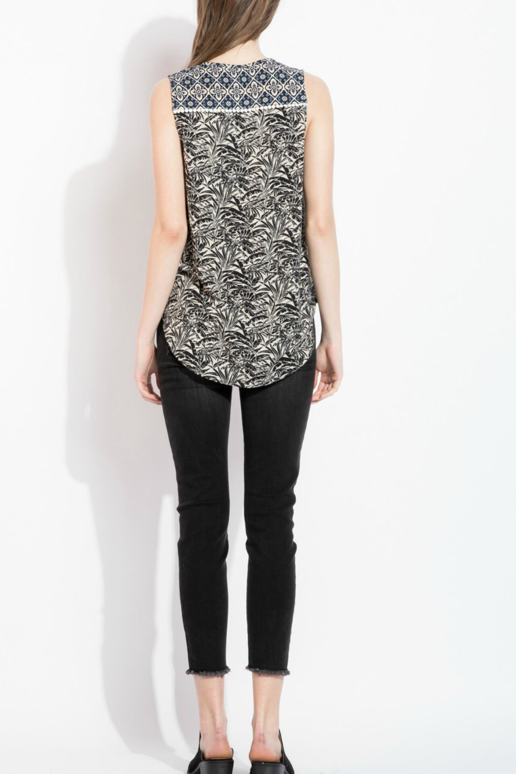 THML Clothing printed embroidery top - Side Cropped Image