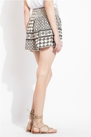 THML Clothing Geometric Printed Shorts - Side cropped