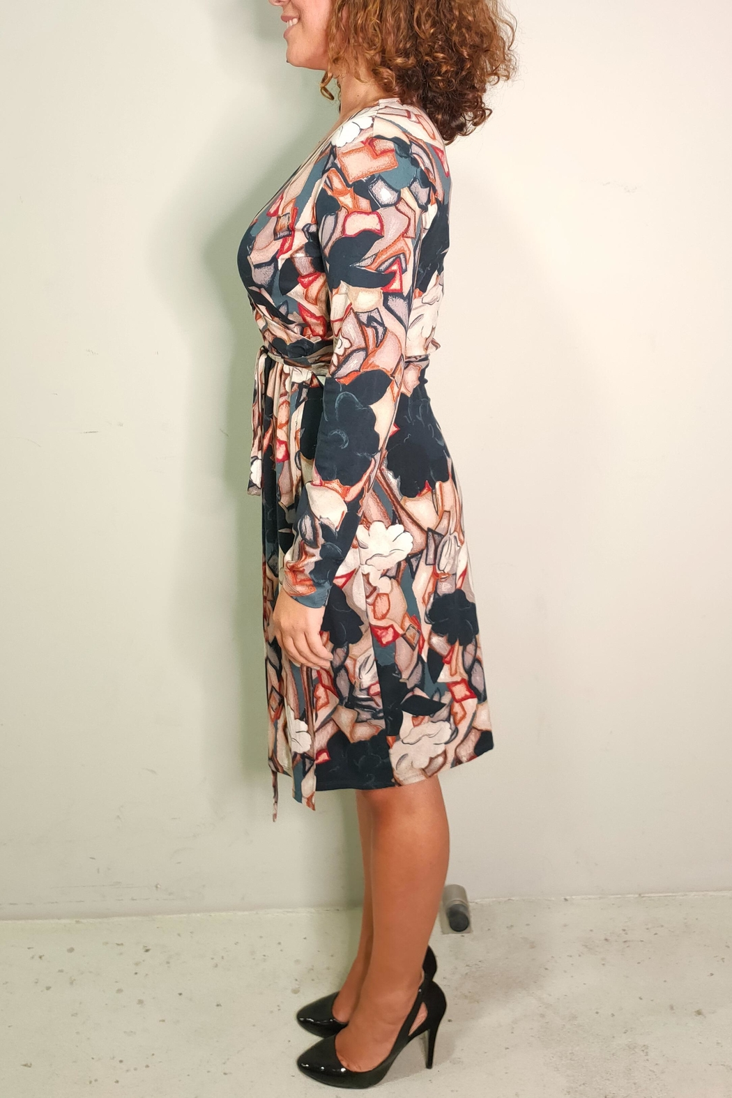 thought Soft Midi Dress - Side Cropped Image