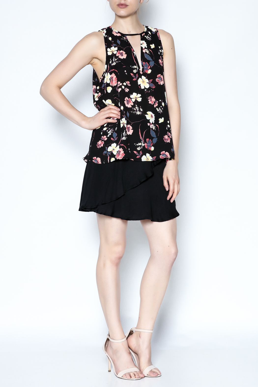 Three Eighty Two Floral Sleeveless Top - Side Cropped Image