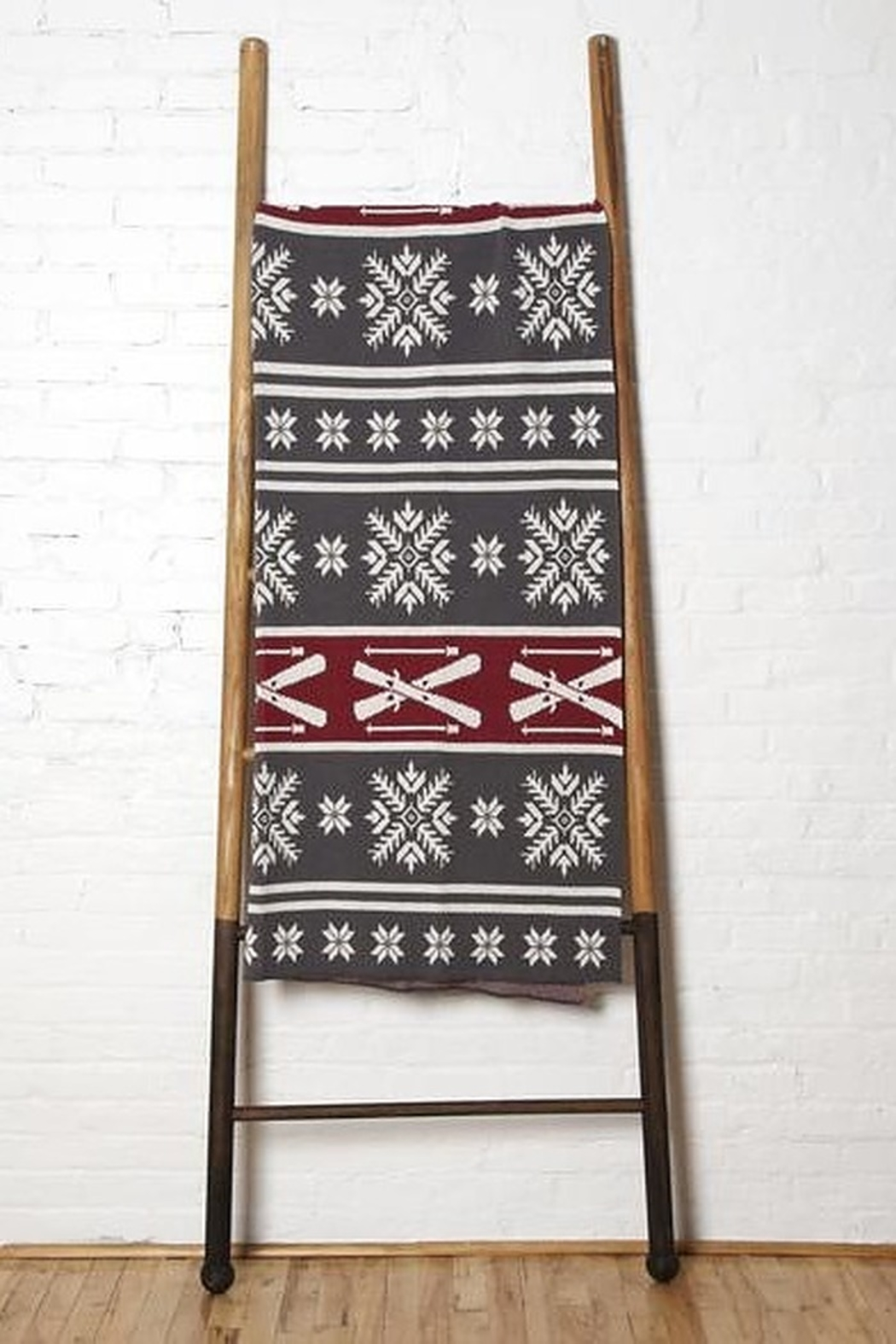 In2Green Fair Isle Skis Throw - Main Image