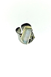 Tiara Fine Jewelry Labradorite Peridot Ring - Product Mini Image