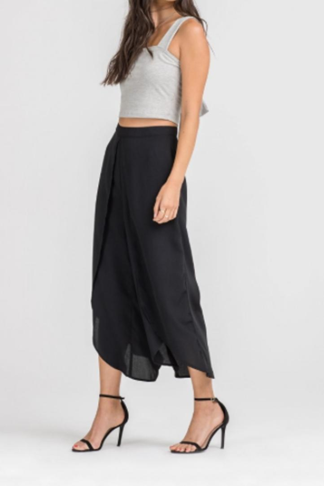Lush Tie Back Crop-Top - Side Cropped Image