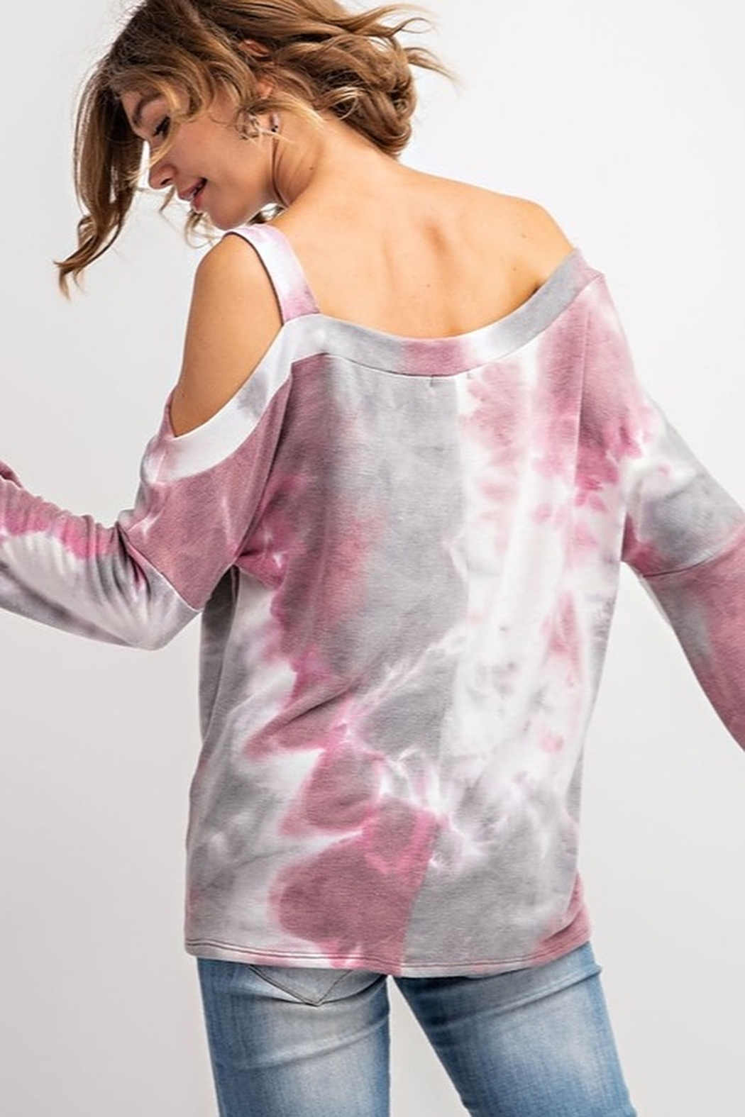143 Story TIE DYE ONE SIDE COLD SHOULDER TOP - Side Cropped Image