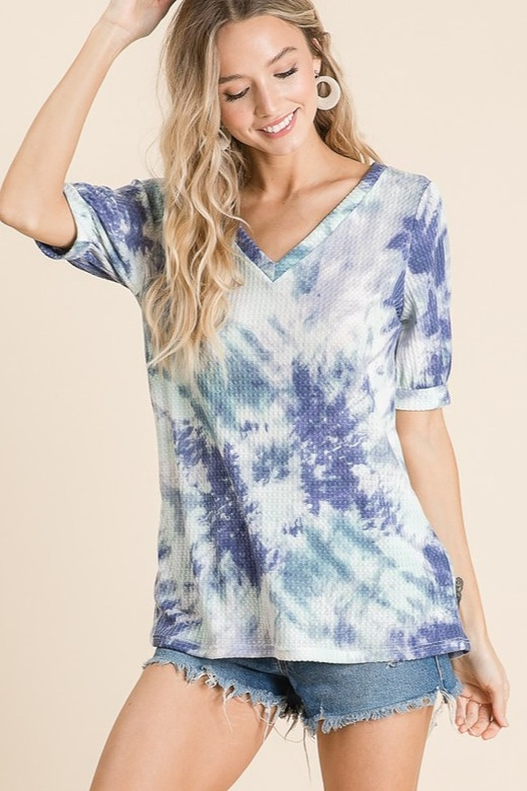 Bibi Tie Dye Thermal Waffle V Neck Top with Puff Sleeves - Front Full Image
