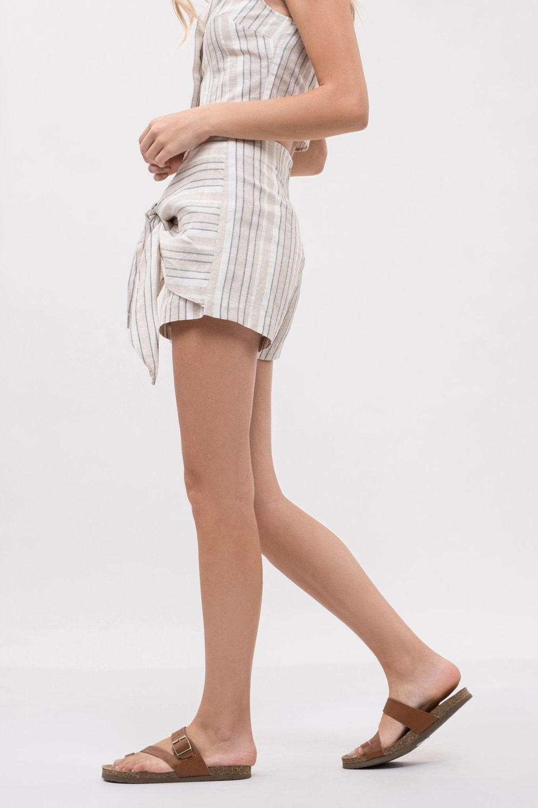 J.O.A. Tie Front Shorts - Side Cropped Image