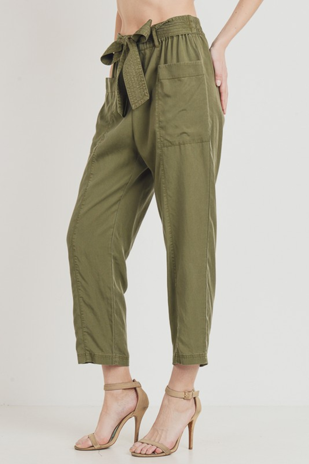 R+D  Tie Pant with Pockets - Back Cropped Image