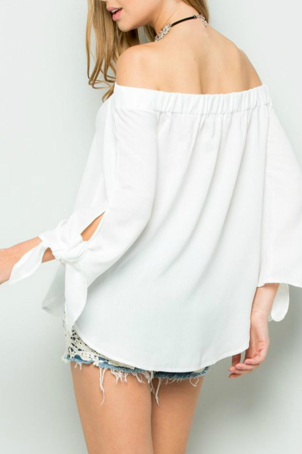 ee:some Tie-Sleeve Off-Shoulder White-Must-Have - Side Cropped Image