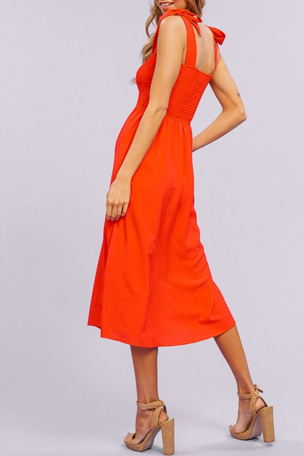 Listicle Tie-Strap Smocking Midi-Dress - Side Cropped Image