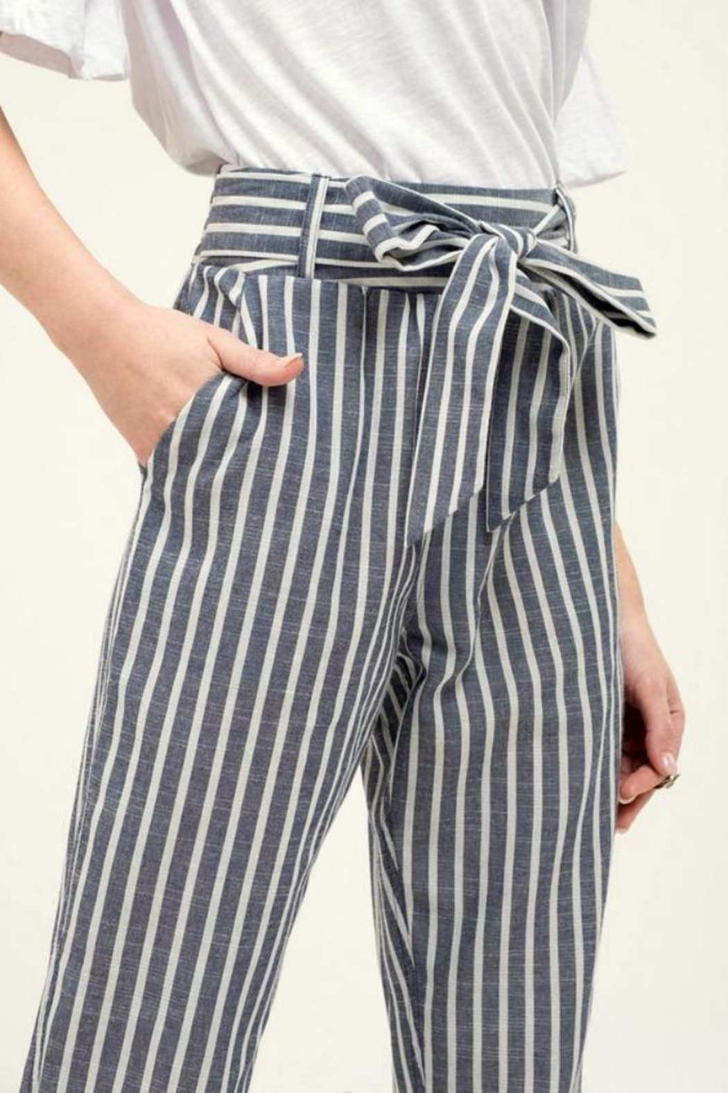 Blu Pepper Tie Striped Pants - Side Cropped Image