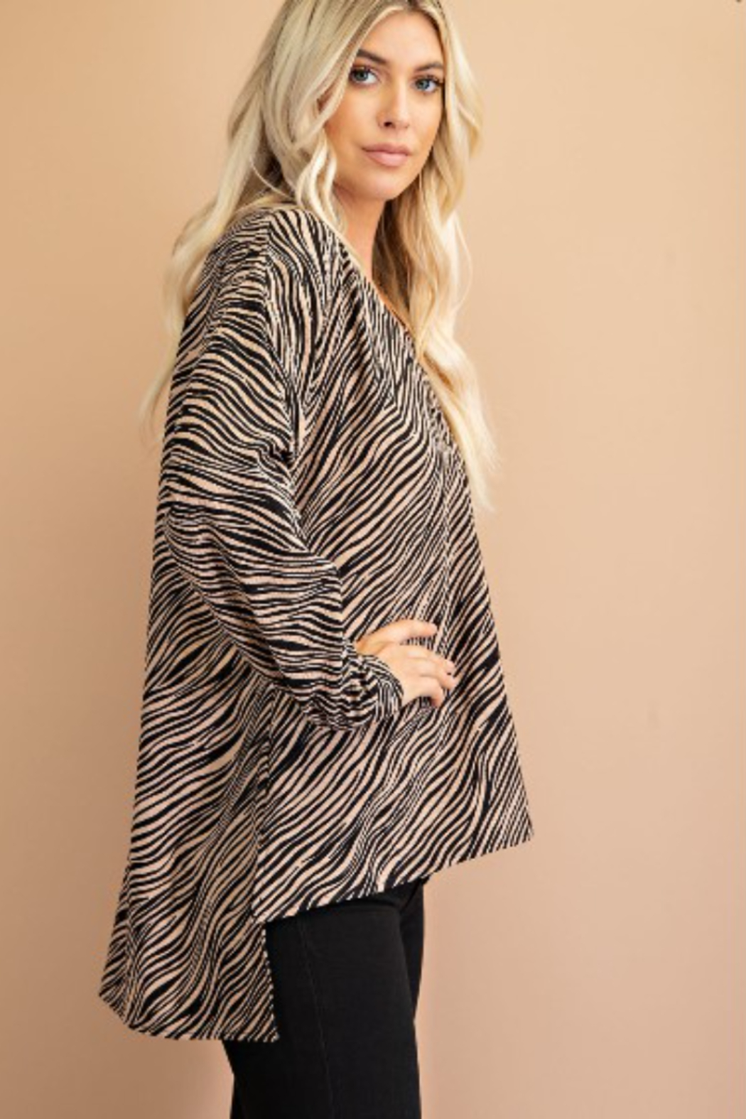 Glam Tiger Print Blouse - Side Cropped Image