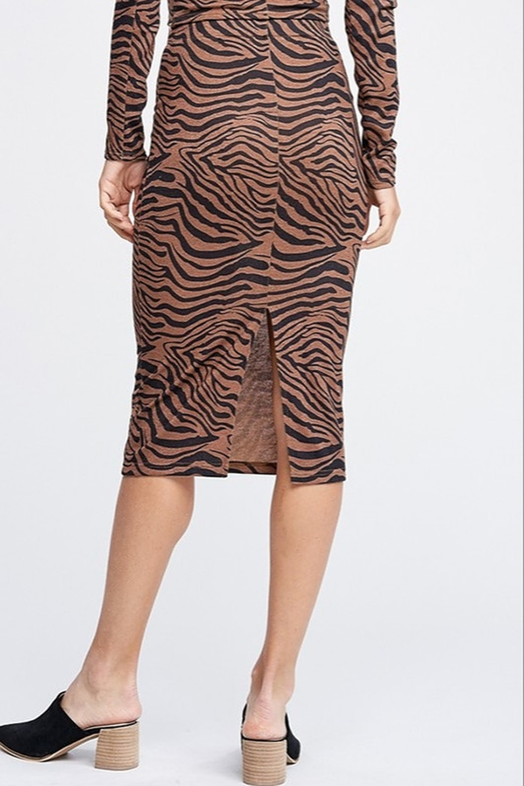 Emory Park Tiger Print Midi Skirt - Side Cropped Image