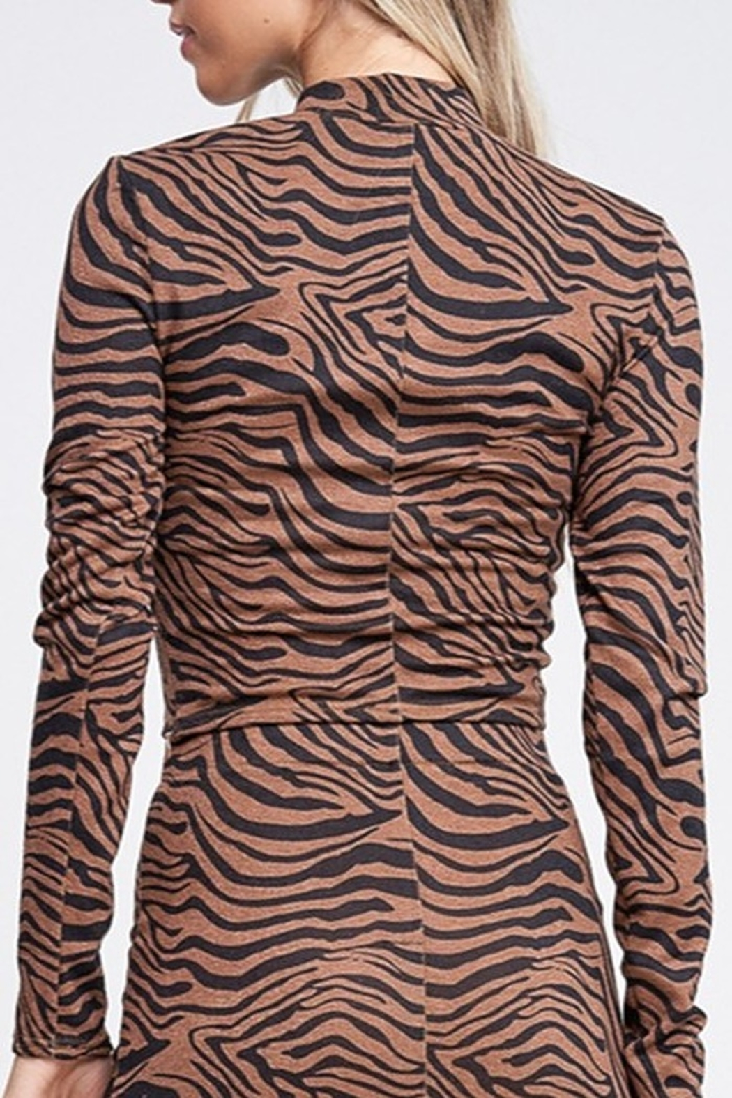 Emory Park Tiger Print Top - Side Cropped Image