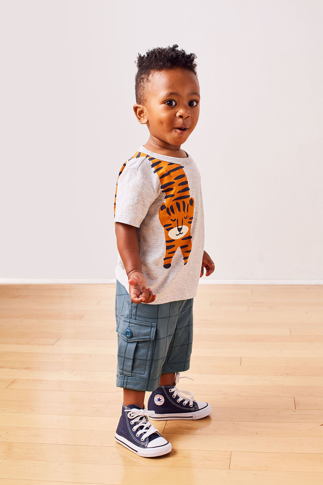 Tea Collection Tiger Turn Baby Graphic Tee - Back Cropped Image