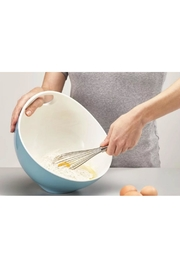 Joseph Joseph Tilt Mixing Bowl - Front full body