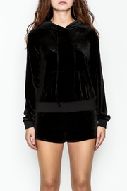 TIMELESS Bisou Bisou Pullover - Front full body