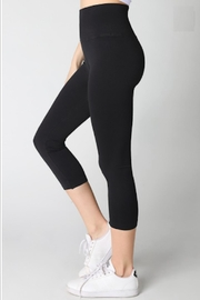 TIMELESS Capri Leggings - Product Mini Image