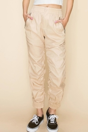 TIMELESS Cozy Jogger - Front full body