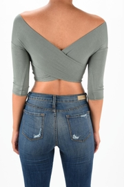 TIMELESS Criss Cross Crop - Side cropped