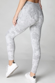 TIMELESS Marble Leggings - Side cropped