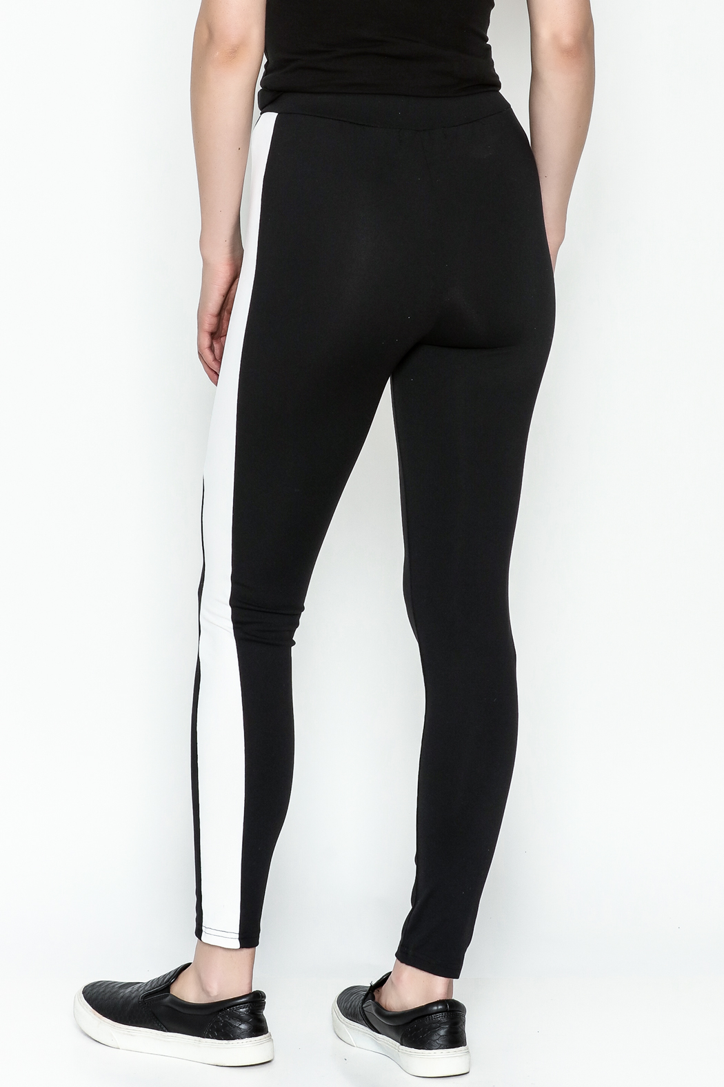 TIMELESS Sport Leggings - Back Cropped Image