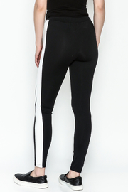 TIMELESS Sport Leggings - Back cropped