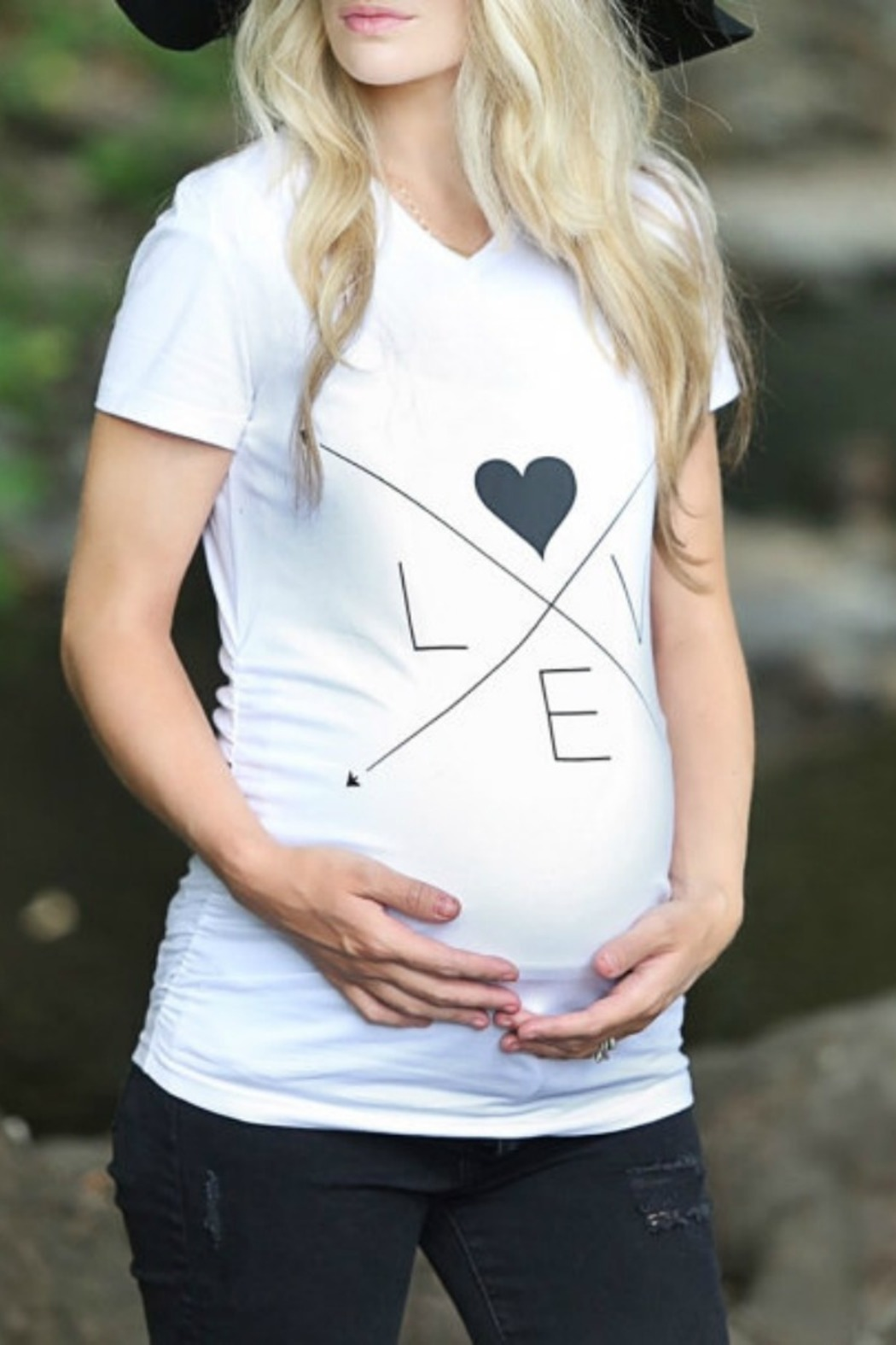 b2a3dd8c7be489 To little arrows maternity tee front cropped image jpg 1050x1575 Seattle  sugar babies