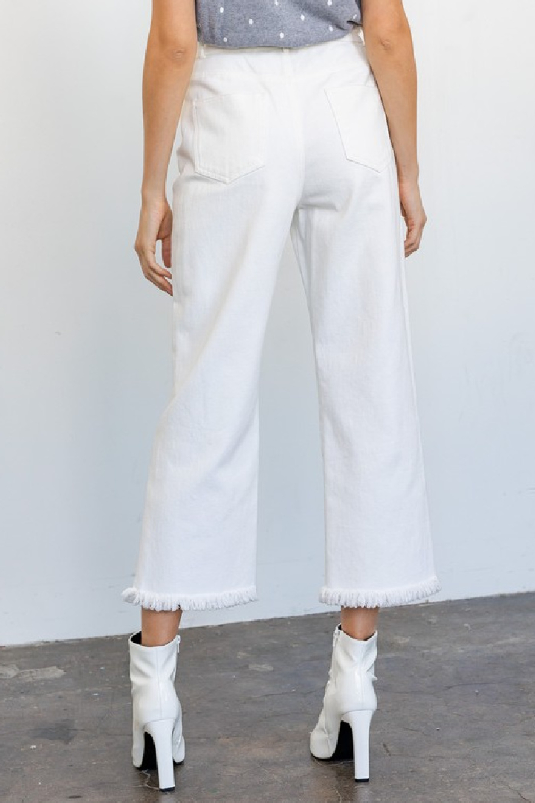 Gilli Tomi Wide Leg Jeans - Side Cropped Image