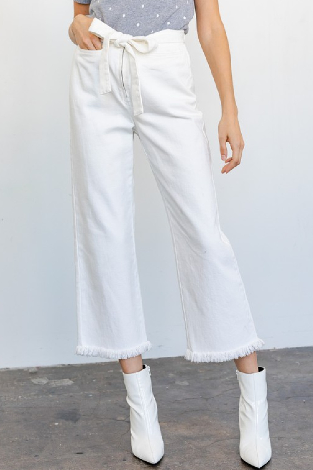Gilli Tomi Wide Leg Jeans - Front Full Image