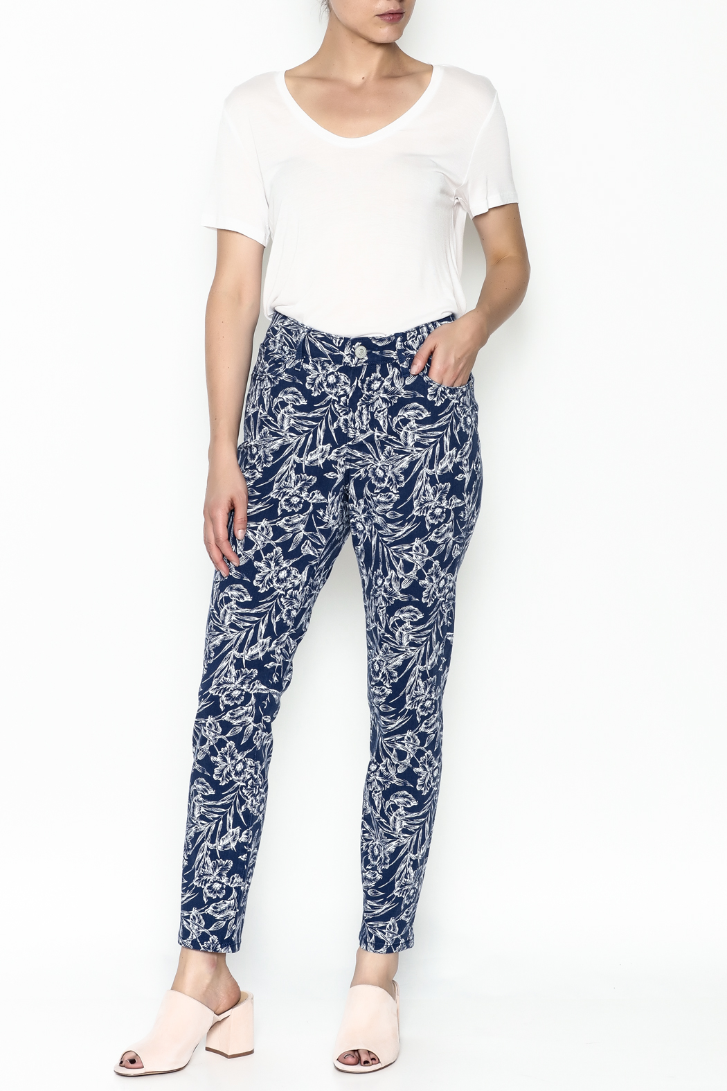 Tommy Bahama Hibiscus Print Jeans - Side Cropped Image