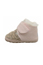 TOMS Cuna Crib Booties - Front cropped