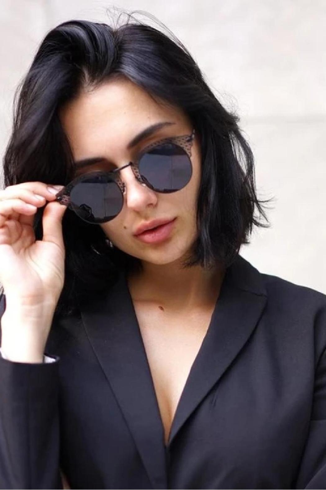 top Angel Sunglasses - Side Cropped Image