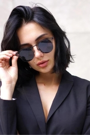 top Angel Sunglasses - Side cropped