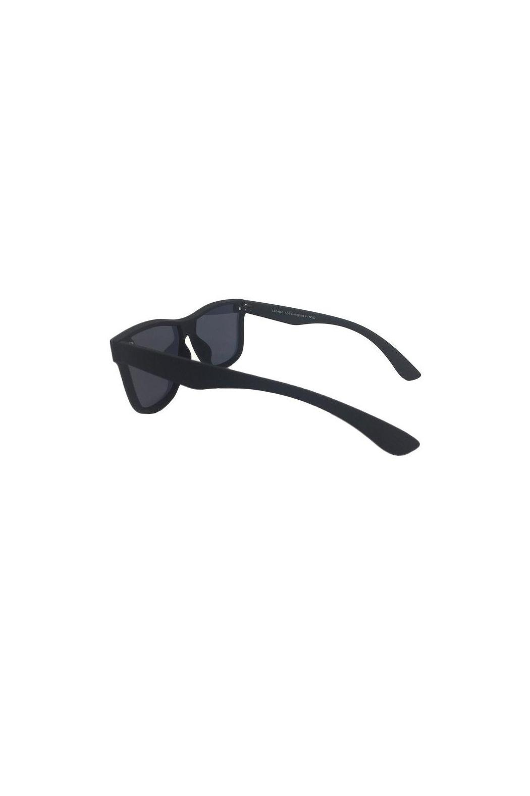 top Future Wife Sunglasses - Side Cropped Image
