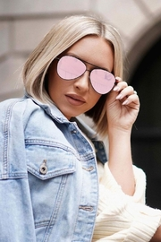 top Megan Sunglasses - Side cropped